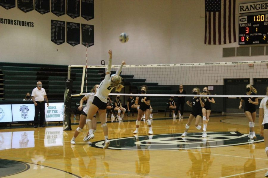 JV volleyball splits two-game series with Grand Rapids Christian and Bryon Center