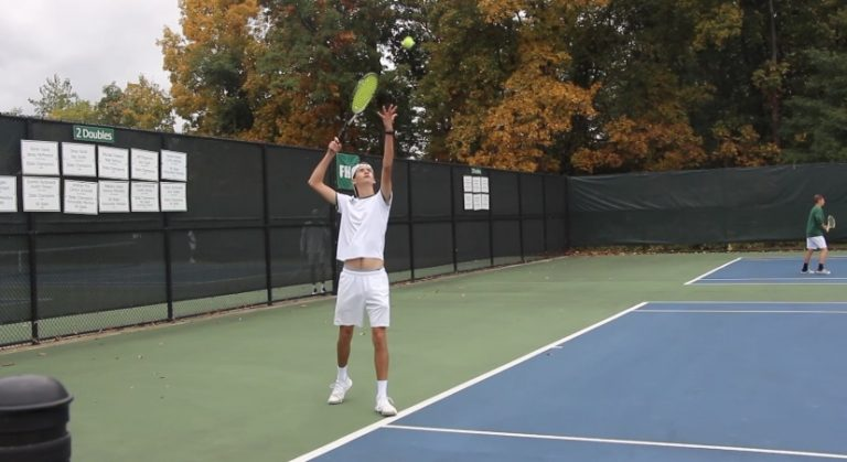 Boys+varsity+tennis+goes+1-1+at+conference+tournament+and+places+second