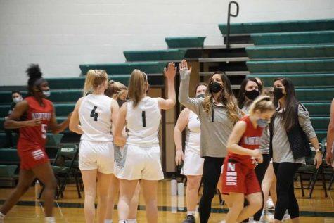 Girls varsity basketball extends winning streak to 4 with win over Thornapple Kellogg 53-52