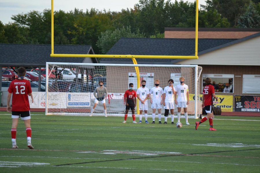 Boys+varsity+soccer+suffers+fourth+straight+loss+to+Northview+4-1