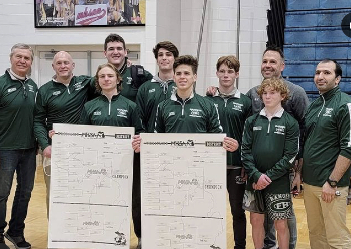 Boys wrestling advances several wrestlers to Regionals
