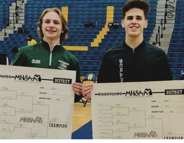 Boys varsity wrestling sends two seniors to the state tournament