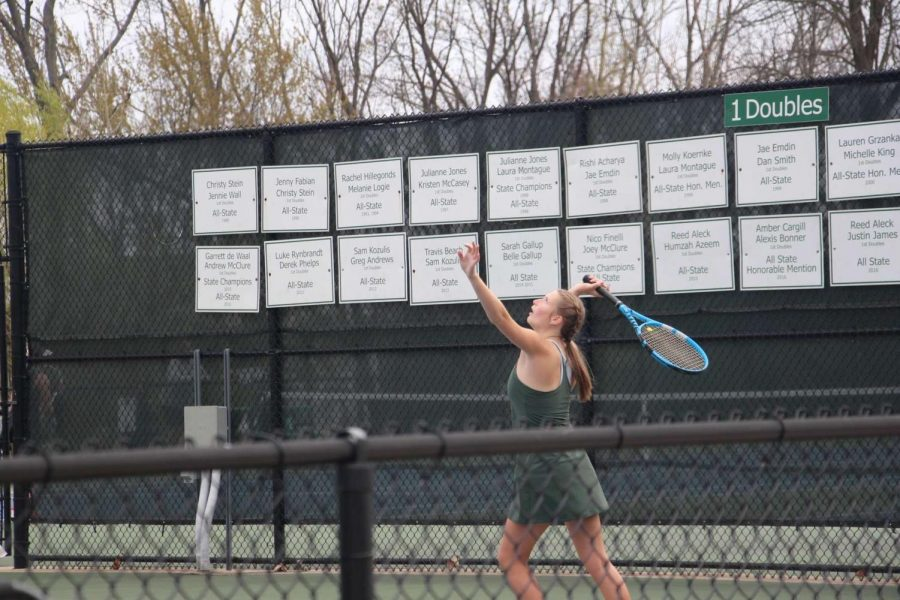 Girls varsity tennis drops its second consecutive match with a 6-2 loss to Grand Rapids Christian
