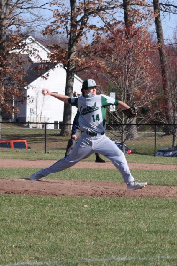 JV baseball extends its win streak to seven games with doubleheader sweep over Lowell