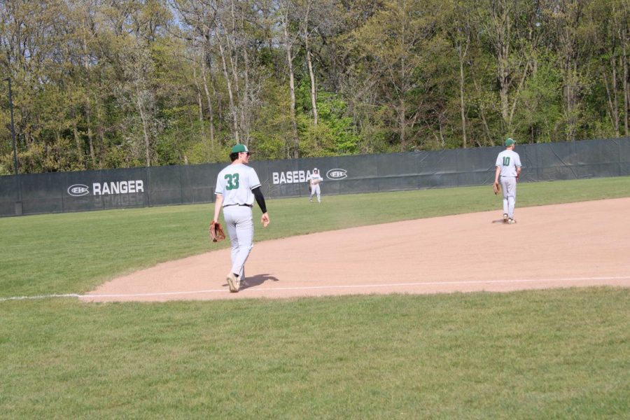 Joe Seurynck and Brady Price lead the way in varsity baseball's 8-3 bounce-back win over Byron Center