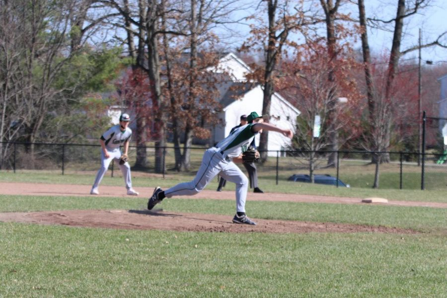 JV baseball finishes off sweep of East Grand Rapids in an 8-4 victory