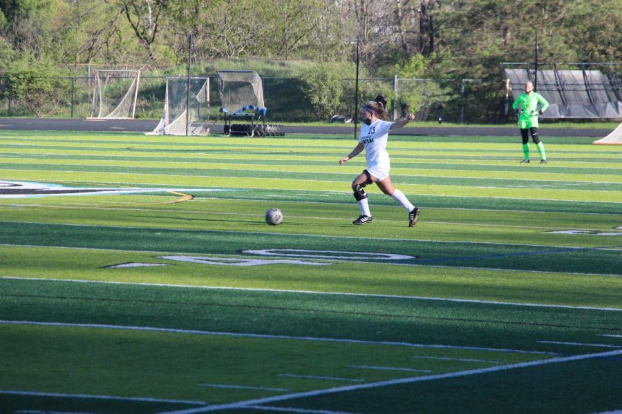 Girls varsity soccer goes 1-1-1 in a three-game stretch