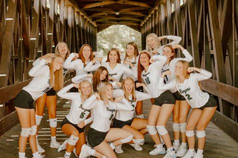 Varsity volleyball finishes the week big with its first win in districts